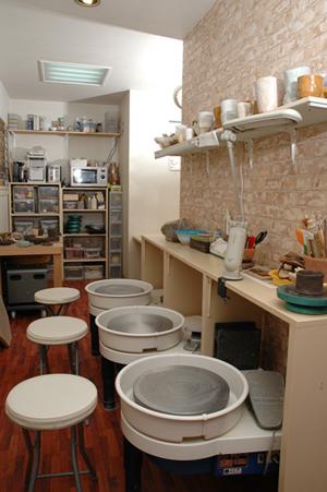 陶芸教室Futabaの室内の設備風景
