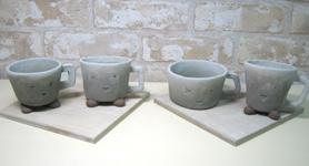 陶芸教室でできあがったばかりのデミタスカップ