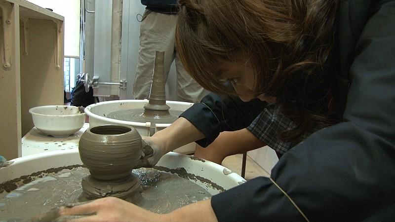 陶芸教室Futabaの電動ろくろで小鉢を作る