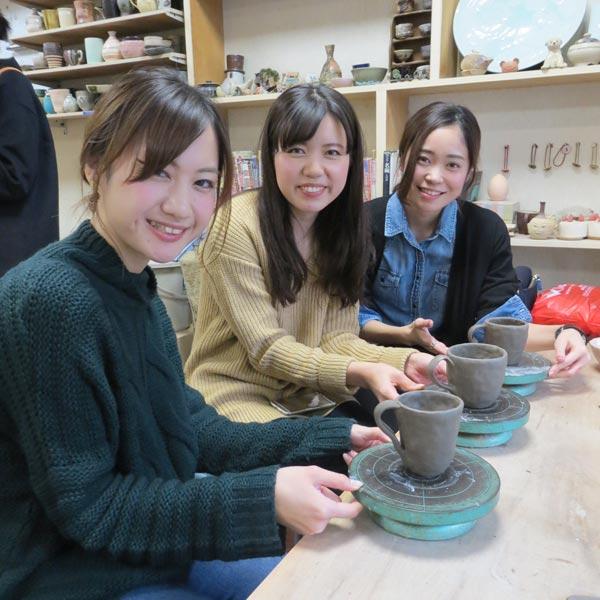 女子会で陶芸体験