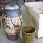 キリンの柄の焼締蓋つきの壺