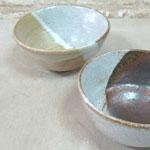 2色の掛け分けのお茶碗