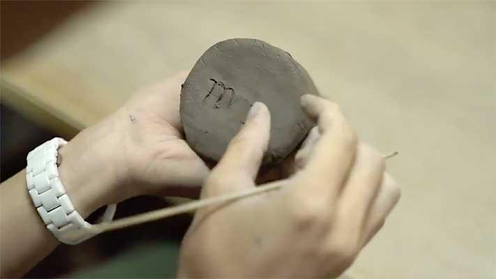 オメでたい頭でなにより、Ba.maoさんの陶芸制作の様子